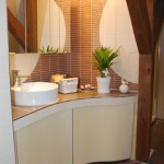 Waschtisch mit Badschrank
